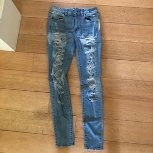 American Eagle High waisted Distressed Jeans